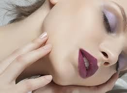 sleeping with makeup (Glamourous)