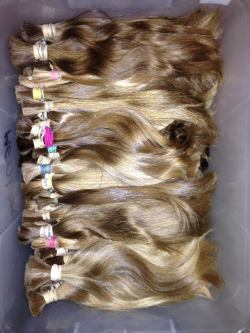 hair-weft-batched-blonde