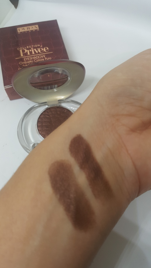 Top swatch dry / Bottom swatch wet
