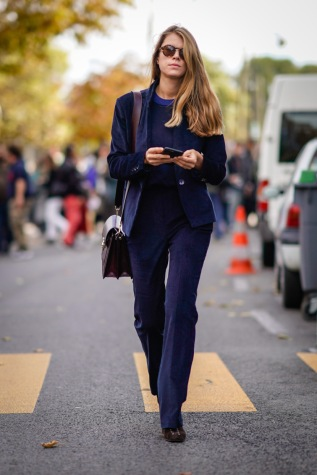 Street Style : Paris Fashion Week Womenswear Spring/Summer 2018 : Day Eight