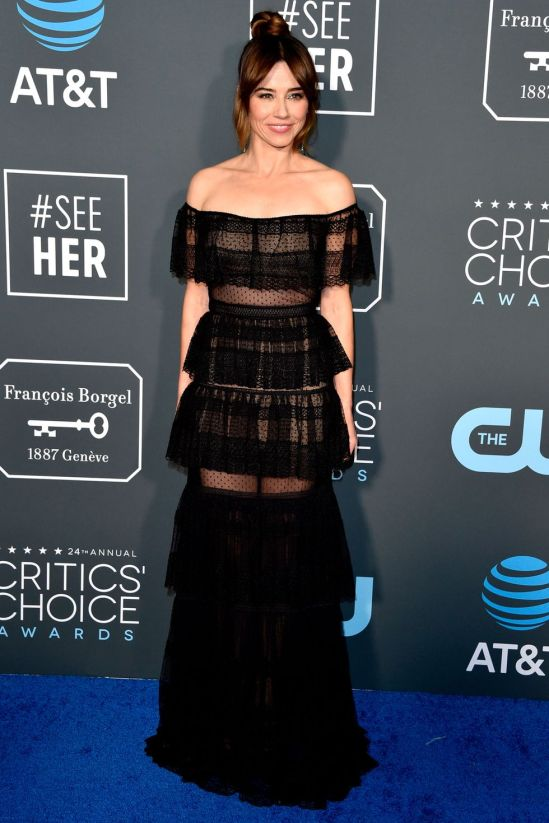 linda-cardellini-critics-choice-2019-1547457904